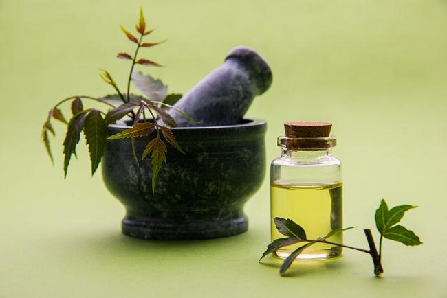 Beneficios de belleza del aceite de neem