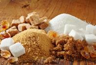 Las desventajas de usar más azúcar en tu dieta