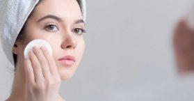 Razones principales para la piel y la cara grasosa