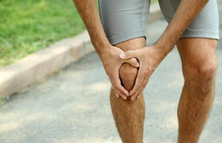 dolor muscular detras de la rodilla